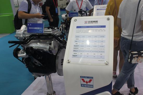 LJ4C15发动机